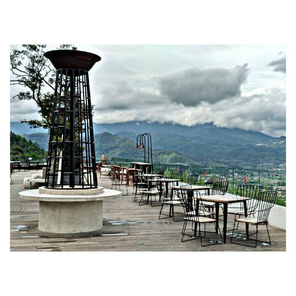 15 Celcius Sky Lounge